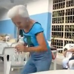 Thumbnail image for Twerking abuelita brings all the boys to the yard (video)